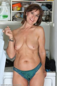 Maman infidele du 74 cherche amant TTBM discret